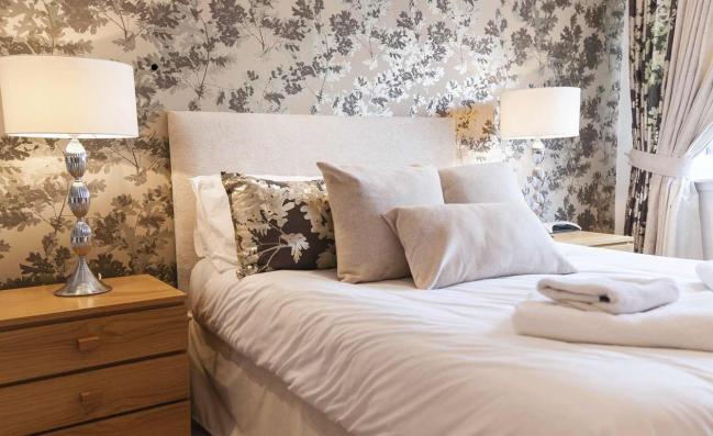5 trucos de decoraci n para que tu dormitorio peque o - Como decorar un dormitorio pequeno ...